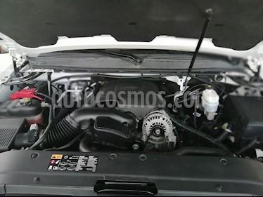 Foto venta Auto usado Chevrolet Suburban LT (2013) color Blanco precio $349,000