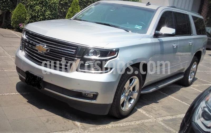 Chevrolet Suburban LTZ 4x4 usado (2015) color Plata Brillante precio $574,999