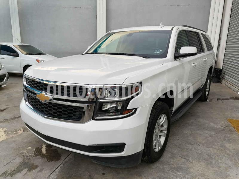 Chevrolet Suburban LS Tela usado (2019) color Blanco precio $750,000