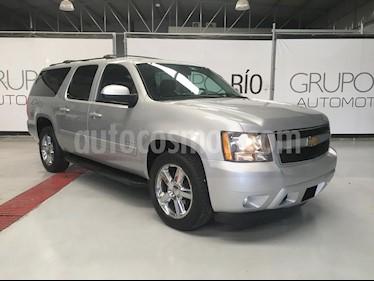 Foto Chevrolet Suburban LT Piel 4x4 usado (2013) color Plata Brillante precio $310,000