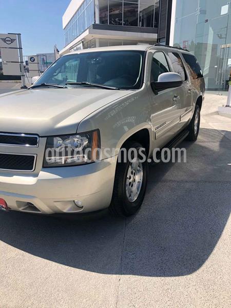 Chevrolet Suburban LT Piel 4x4 usado (2014) color Dorado precio $269,900