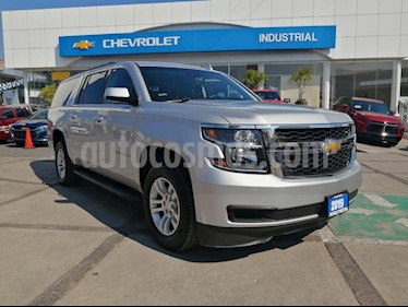 Chevrolet Suburban LT Piel Banca usado (2019) color Plata Brillante precio $849,000