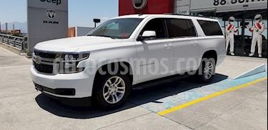 Chevrolet Suburban LS Tela usado (2016) color Blanco precio $550,000