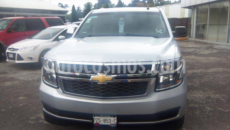 Chevrolet Suburban 5P LT V8 5.3 AUT PIEL 2DA CUBO usado (2015) color Plata precio $420,000