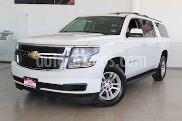 Chevrolet Suburban 5p LT V8/5.3 Aut Piel 2da/Banca usado (2016) color Blanco precio $529,000