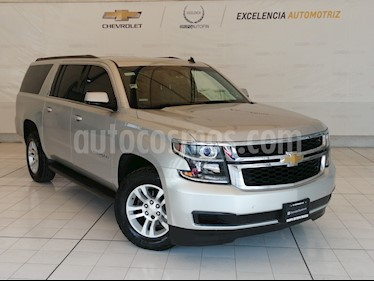 Chevrolet Suburban Paq B usado (2015) color Plata precio $499,000