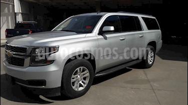 Chevrolet Suburban 5p LS V8/5.3 Aut 2da/Banca usado (2017) color Plata precio $640,000