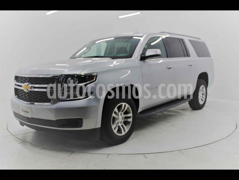 Chevrolet Suburban LS Tela usado (2018) color Plata precio $645,000