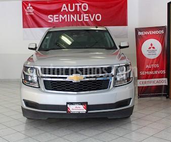 Chevrolet Suburban LT Piel Banca usado (2017) color Plata Brillante precio $640,000
