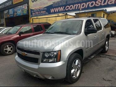 Chevrolet Suburban LT Piel 4x4 usado (2014) color Plata precio $320,000