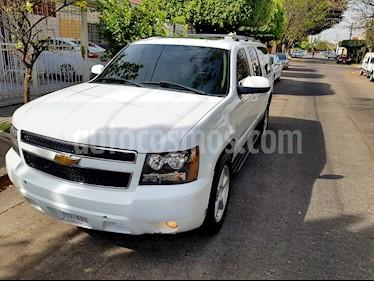 Chevrolet Suburban LT Tres Cuartos 4x4  usado (2007) color Blanco precio $188,000