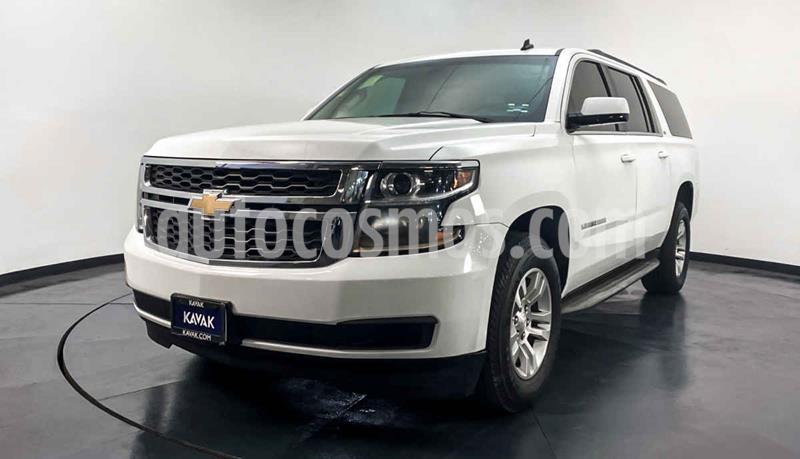 Chevrolet Suburban LS Tela usado (2015) color Blanco precio $459,999