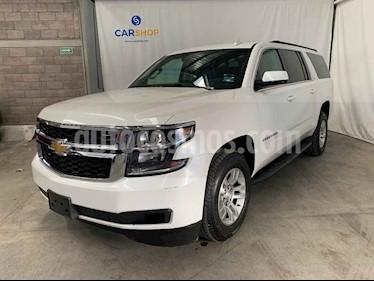 Chevrolet Suburban 5p LT V8/5.3 Aut Piel 2da/Banca usado (2018) color Blanco precio $699,900