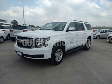 Chevrolet Suburban 5p LT V8/5.3 Aut Piel 2da/Banca usado (2019) color Blanco precio $799,900