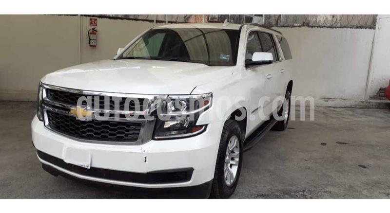 Chevrolet Suburban LT Piel usado (2019) color Blanco precio $704,900