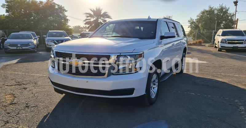 Chevrolet Suburban LT Piel usado (2019) color Blanco precio $739,900
