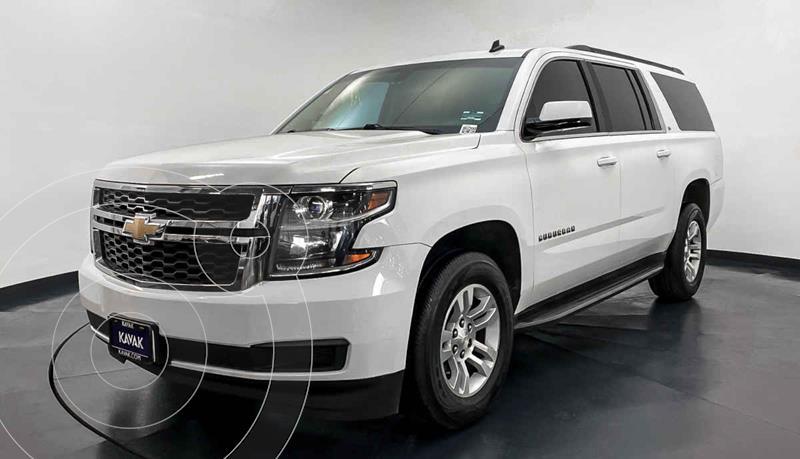 Foto Chevrolet Suburban LT Tela usado (2014) color Blanco precio $437,999
