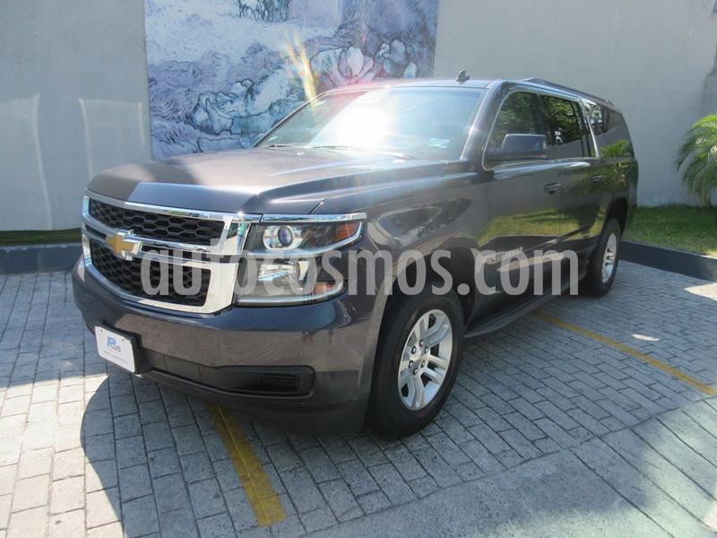 Chevrolet Suburban LT Piel usado (2015) color Gris Oscuro precio $488,000
