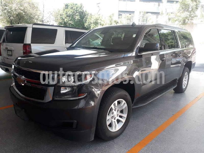Chevrolet Suburban LT Piel Banca usado (2017) color Gris precio $619,000