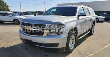 Chevrolet Suburban 5p LT V8/5.3 Aut Piel 2da/Banca usado (2018) color Plata precio $579,900