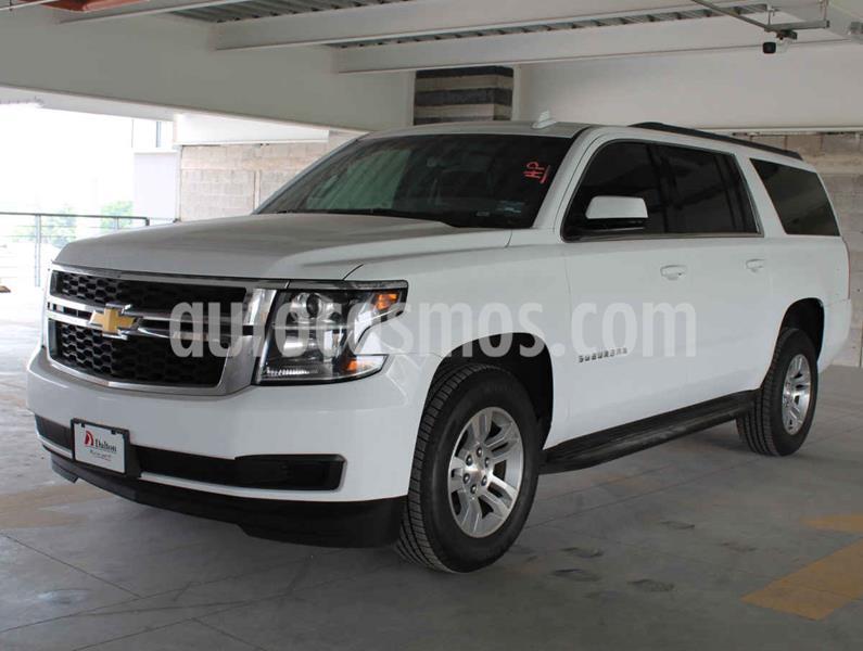 Chevrolet Suburban LS Tela usado (2019) color Plata precio $745,000