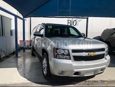 Chevrolet Suburban Paq D  usado (2012) color Plata precio $275,000