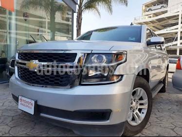 Chevrolet Suburban 5p LS V8/5.3 Aut 2da/Banca usado (2016) color Plata precio $487,000