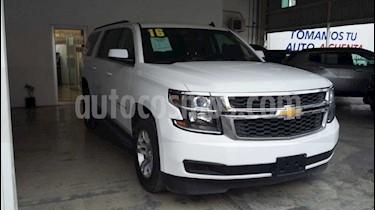 Chevrolet Suburban LS Tela usado (2016) color Blanco precio $600,000
