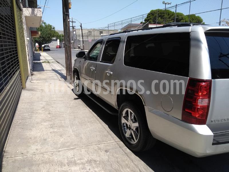 Chevrolet Suburban LT Piel Banca usado (2014) color Gris precio $490,000