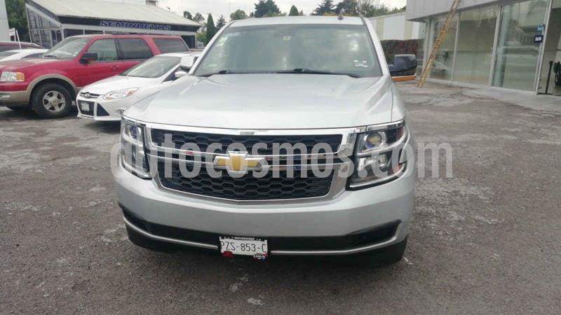 Chevrolet Suburban LT Piel Cubo usado (2015) color Plata precio $435,000