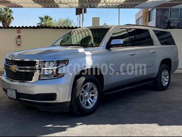 Chevrolet Suburban 5p LT V8/5.3 Aut Piel 2da/Banca usado (2019) color Plata precio $819,900