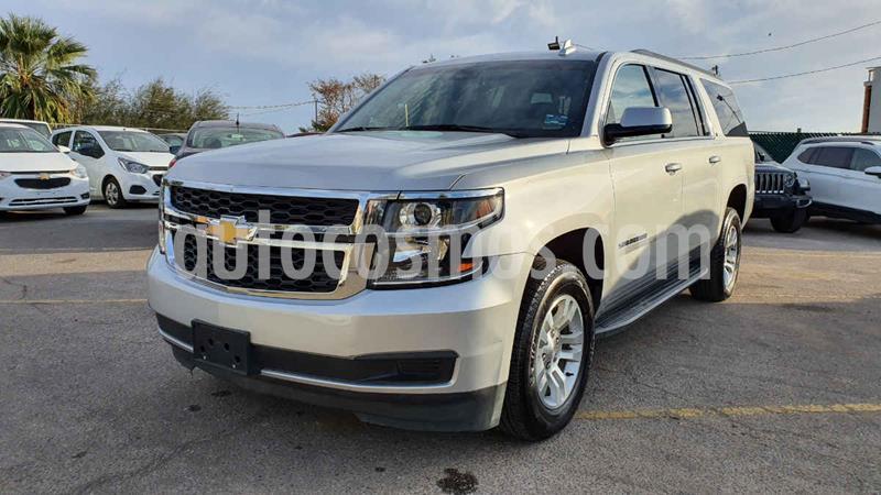 Chevrolet Suburban LT Piel Banca usado (2019) color Gris precio $699,800