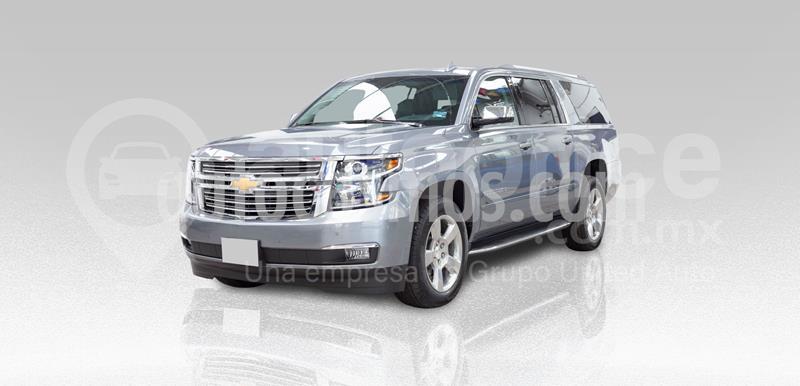 foto Chevrolet Suburban Premier Piel 4x4 usado (2019) color Gris precio $1,030,000