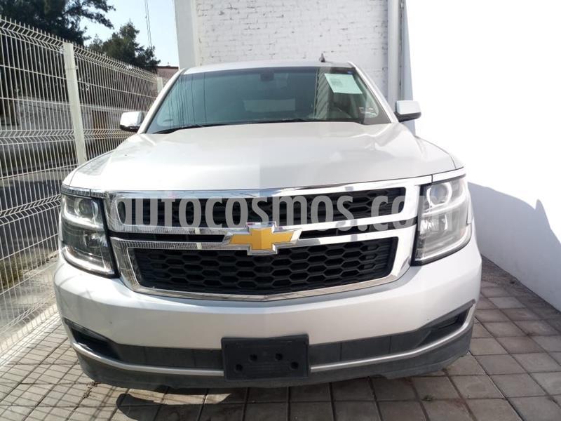 Chevrolet Suburban LS Tela usado (2017) color Plata Dorado precio $595,000