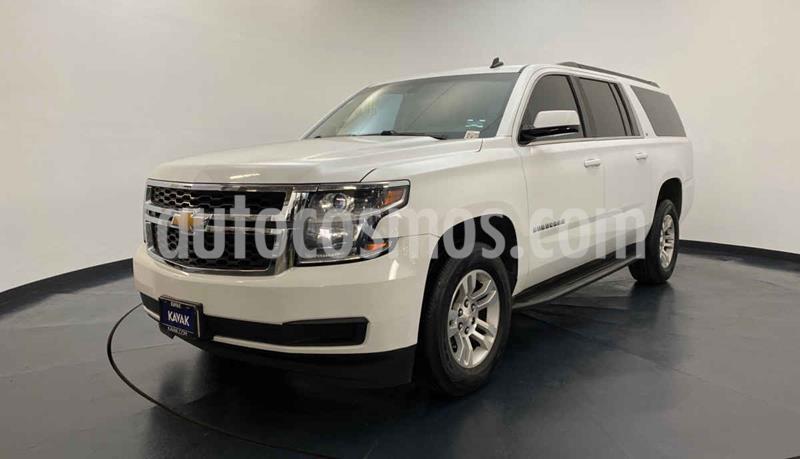 Chevrolet Suburban LS Tela usado (2015) color Blanco precio $549,999