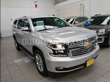 Foto venta Auto usado Chevrolet Suburban Premier Piel 4x4 (2017) color Plata precio $844,000