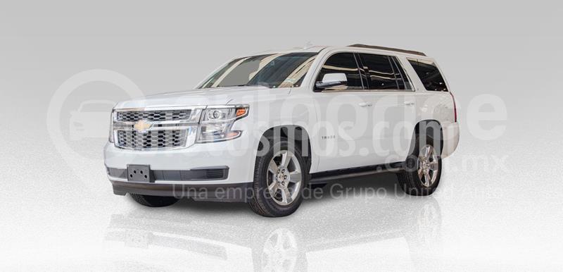 Chevrolet Tahoe LT Piel Cubo usado (2019) color Blanco precio $835,000