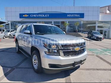 Chevrolet Tahoe LS Tela usado (2015) color Plata Brillante precio $440,000