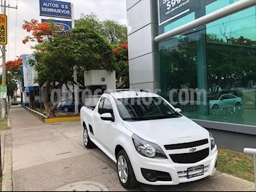 Chevrolet Tornado LT A/A usado (2019) color Blanco precio $249,000