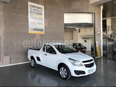 Chevrolet Tornado LS Ac usado (2019) color Blanco precio $235,000
