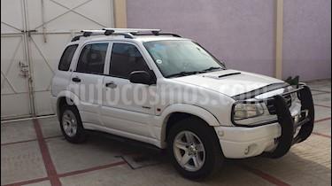 Foto venta Auto Seminuevo Chevrolet Tracker 2.0L 4x2 C (2005) color Blanco precio $75,000