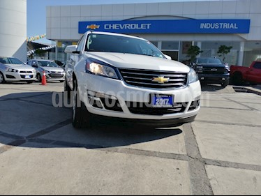Foto venta Auto usado Chevrolet Traverse LT 7 Pasajeros (2017) color Blanco Diamante precio $459,000