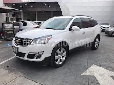 Foto venta Auto Seminuevo Chevrolet Traverse LT Piel (2016) color Blanco precio $353,000