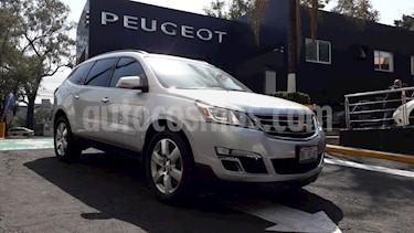 Foto venta Auto usado Chevrolet Traverse LT Piel (2017) color Plata Brillante precio $459,900