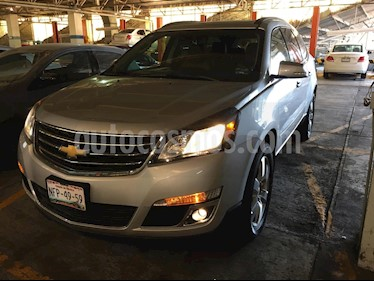 Chevrolet Traverse LT 7 Pasajeros usado (2017) color Plata Brillante precio $382,000
