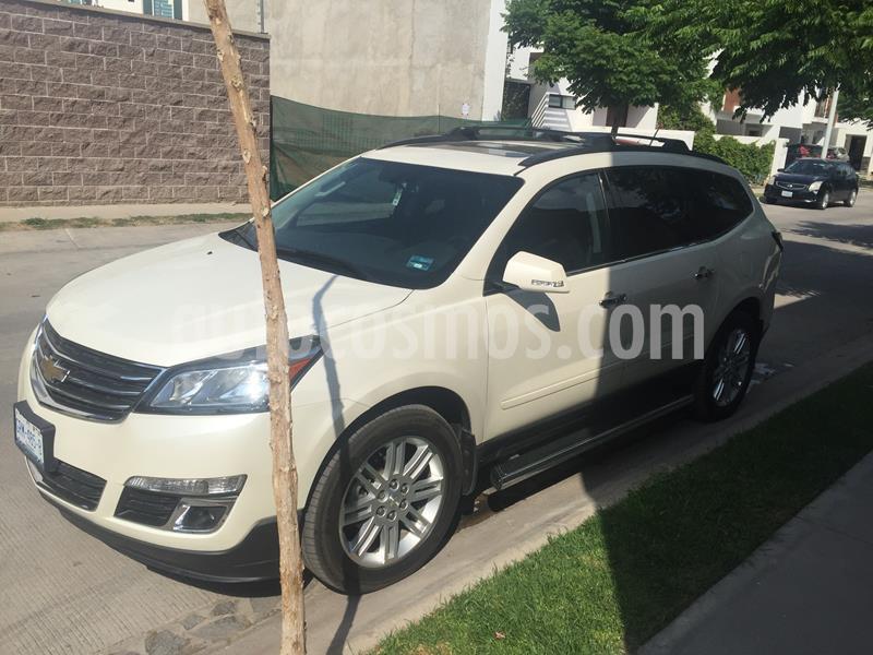 Chevrolet Traverse LT Piel usado (2015) color Blanco Diamante precio $297,000