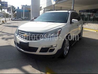Chevrolet Traverse 5p LT V6/3.6 Aut 7/Pas usado (2015) color Blanco precio $285,000