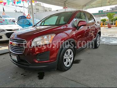 Foto venta Auto usado Chevrolet Trax LS (2016) color Rojo Tinto precio $185,000