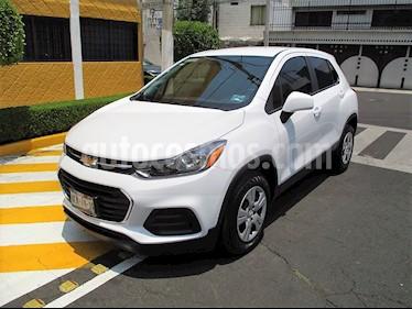 Foto venta Auto usado Chevrolet Trax LS (2017) color Blanco Galaxia precio $209,900