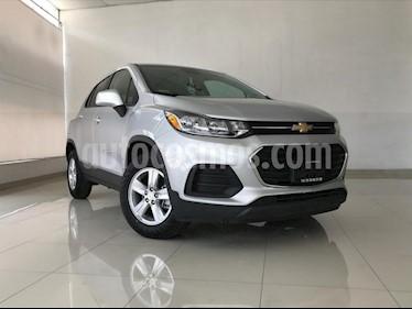 Foto venta Auto usado Chevrolet Trax LS (2019) color Plata Brillante precio $279,900